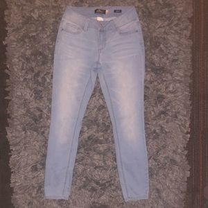 6/$20 PNK jeans size 3 skinny